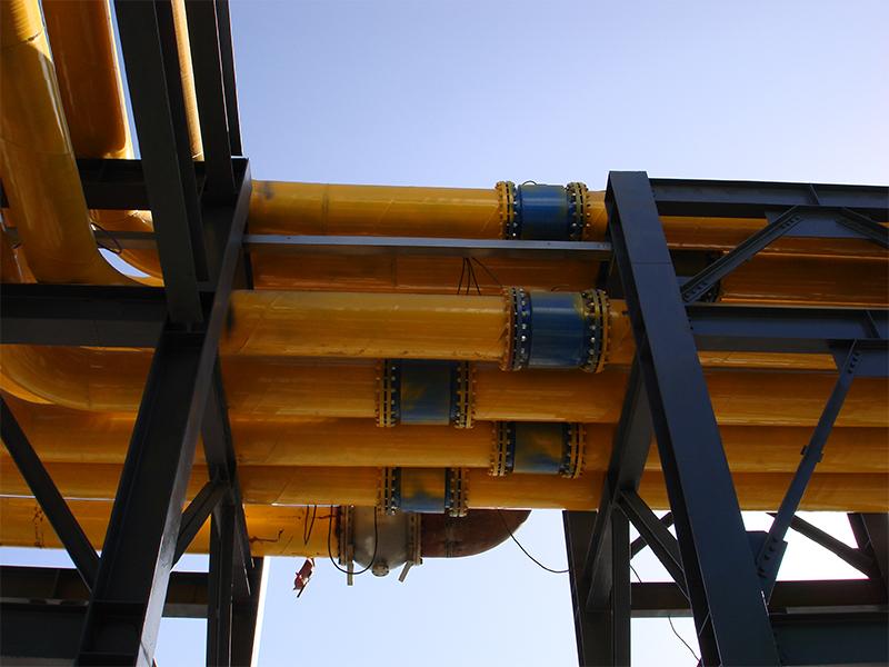 青海(hai)鹽湖新建百萬噸項(xiang)目外圍管廊電磁照片